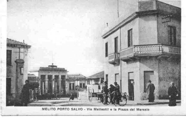 via-matteotti-con-vista-di-piazza-mercato